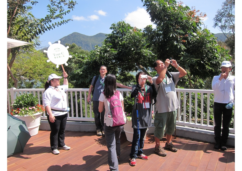 Visitors tour around the hotel and listen attentively to our ambassadors telling stories of the Old Tai O Police Station and Tai